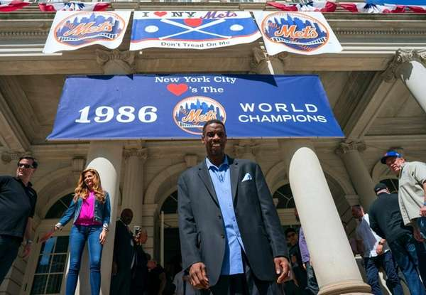 FormerNew York Mets pitcher Dwight Gooden pauses on