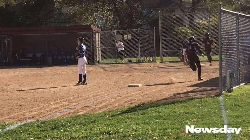 Mepham defeated Division, 15-3, in a Nassau A-II