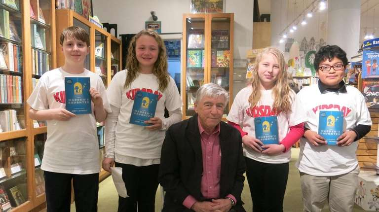 Author Jerry Spinelli with Kidsday reporters Nathaniel Stevenson,