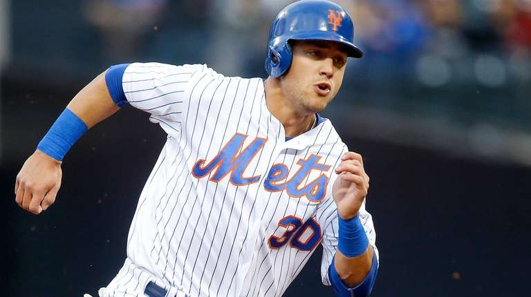 Michael Conforto of the New York Mets runs