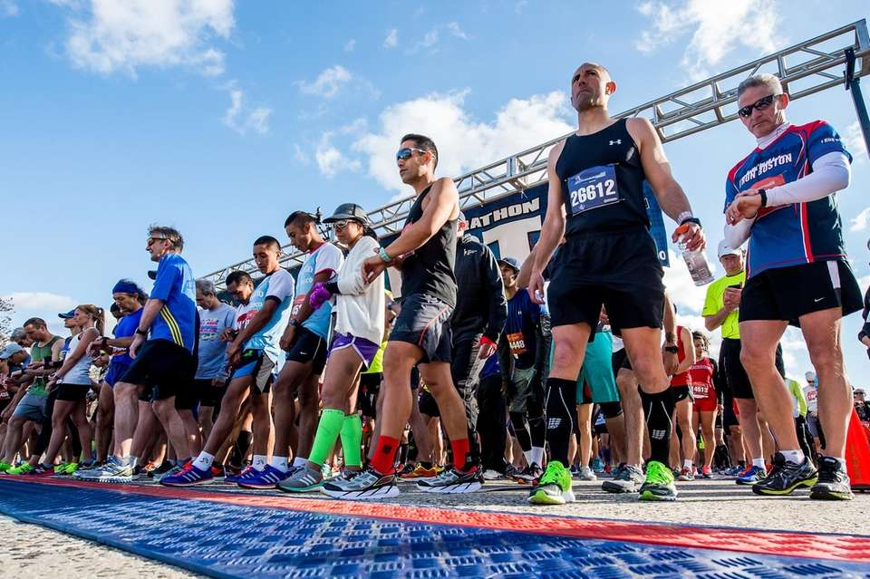 Runners at the Long Island Marathon get ready