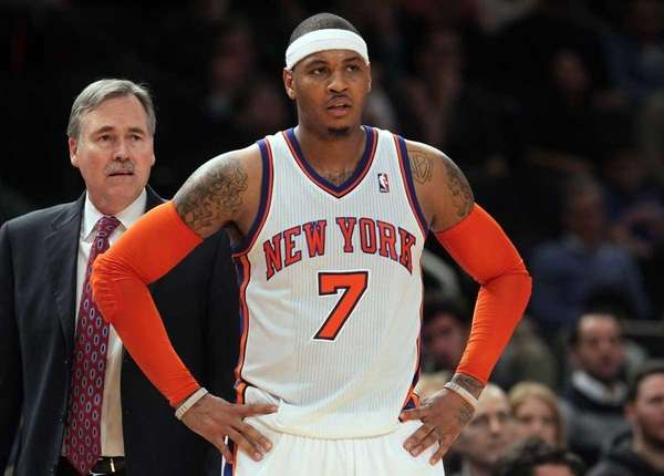 Carmelo Anthony #7 and head coach Mike D'Antoni