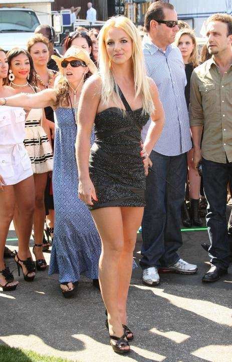 Singer Britney Spears arrives at the 2009 Teen