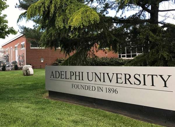 Adelphi men s lacrosse won t enter field to trump speech during ncaa tournament newsday for Adelphi university garden city