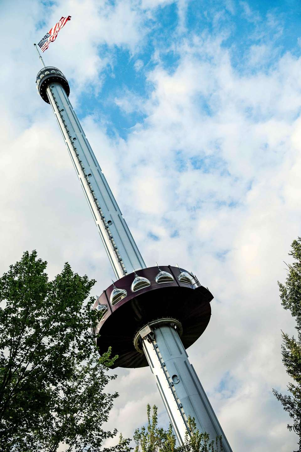 The Kissing Tower ride features kiss-shaped observation windows,