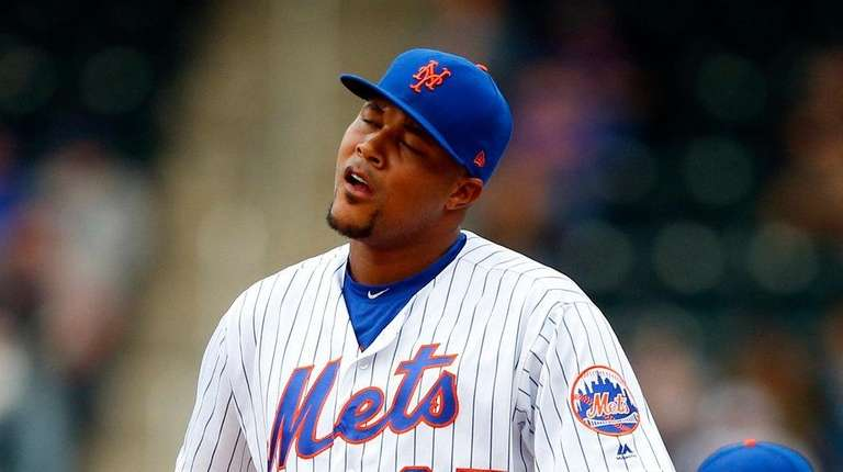 Mets closer Jeurys Familia reacts on the mound