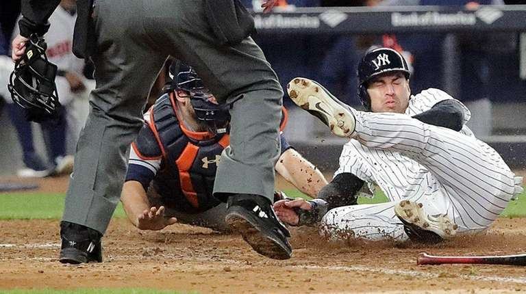 New York Yankees centerfielder Jacoby Ellsbury is called out