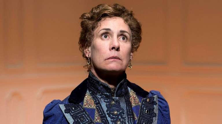 Laurie Metcalf in