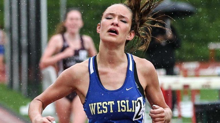 Klaire Klemens of West Islip wins the 3,000-meter