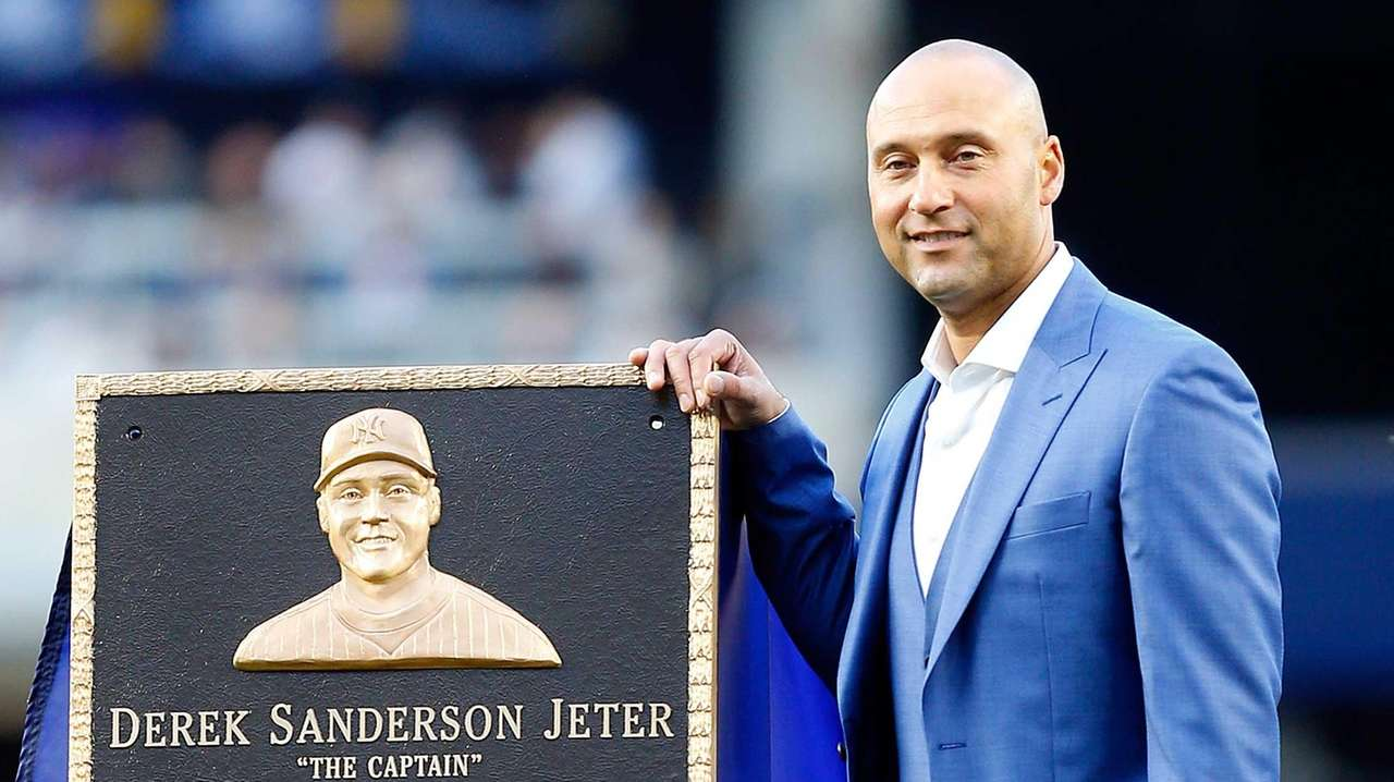2c3b53ef40f List of Yankee Retired Numbers in Monument Park