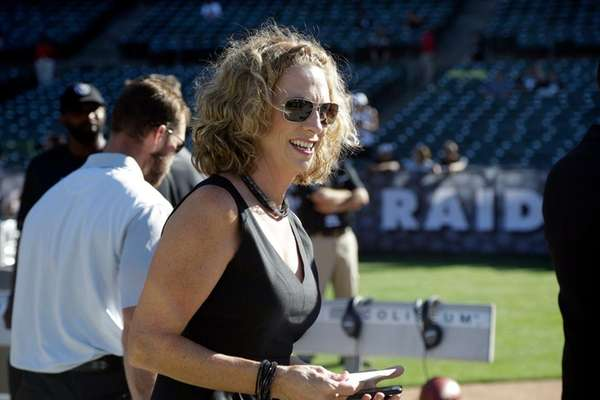 Female broadcaster Beth Mowins to make history for ESPN in 2017