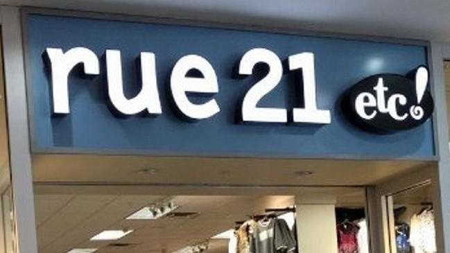 The rue21 clothing store at Broadway Mall in