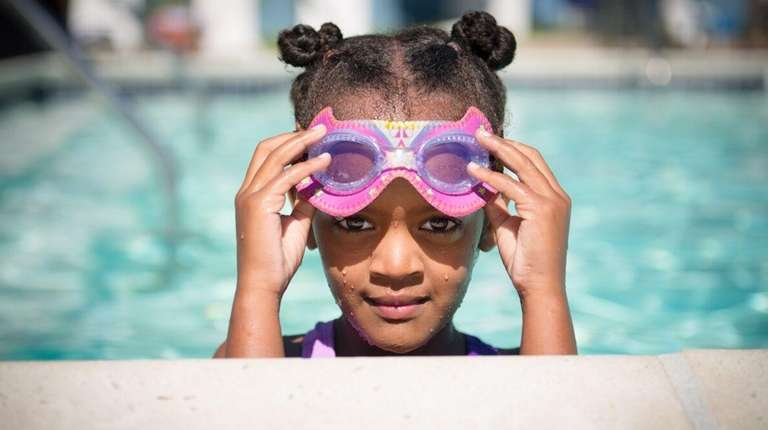 These swim goggles feature 11 different styles including