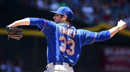 Matt Harvey of the Mets delivers a