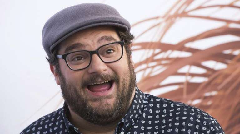 Deadline.com reports Bobby Moynihan is leaving