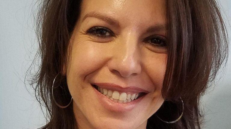 Samantha Undari-Schwartz of East Islip has been appointed
