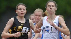 Maureen Lewin of Kellenberg, right, stays ahead of