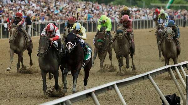 Cloud Computing wins Preakness Stakes in upset finish
