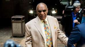 Bill Cosby arrives for jury selection in his