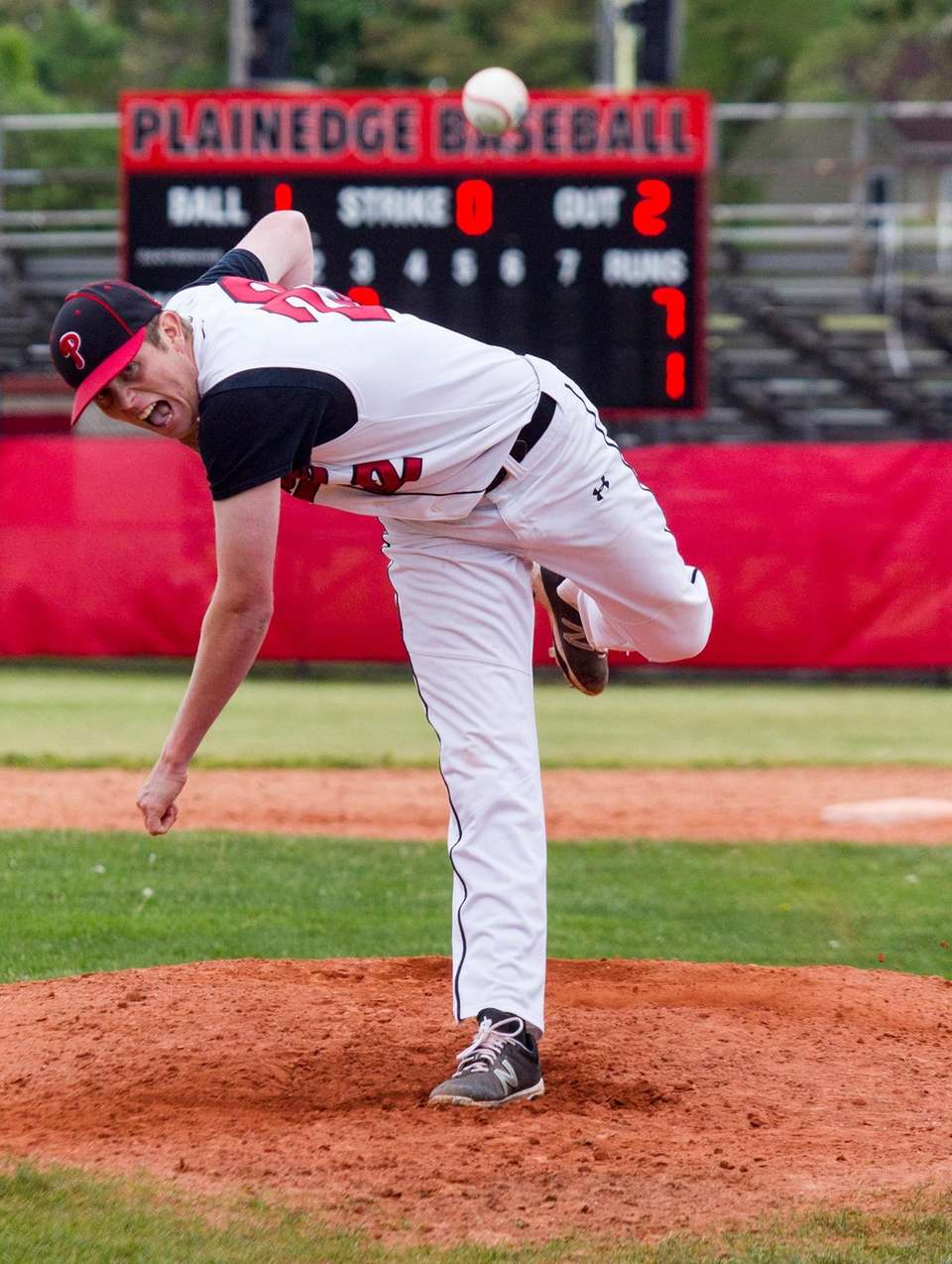 Plainedge's no. 22 Sean Mendyk pitches in relief