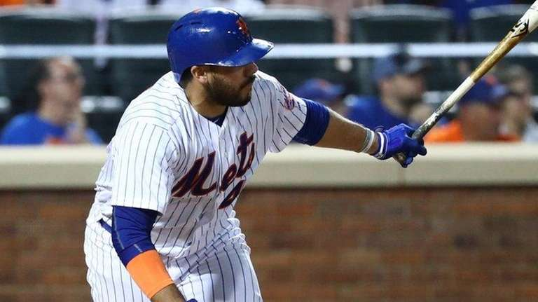 Rene Rivera of the Mets drives in a