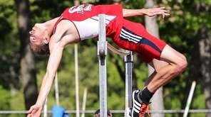 Smithtown East's Daniel Claxton clears 7-0 at Suffolk