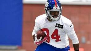 Giants wide receiver Kevin Snead practices during the