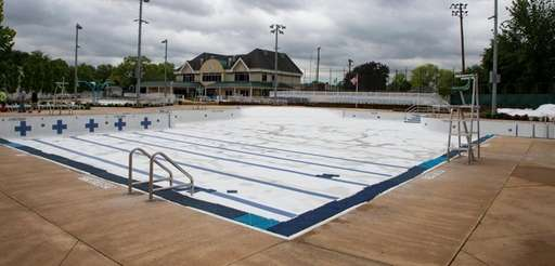 Pools that are part of the Floral Park
