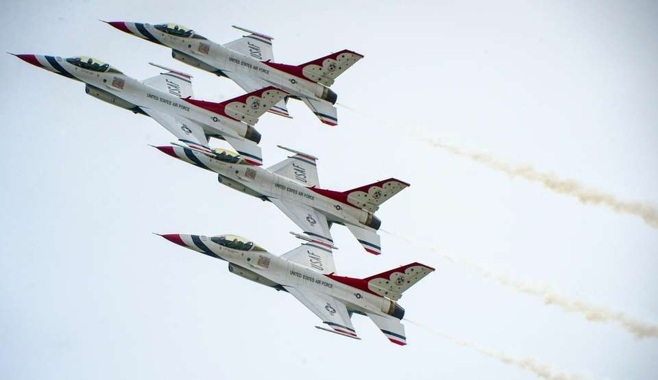 U.S. Air Force Thunderbirds pilots flying F-16 jets