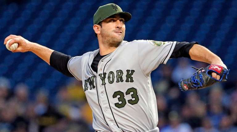 New York Mets' Matt Harvey delivers in the