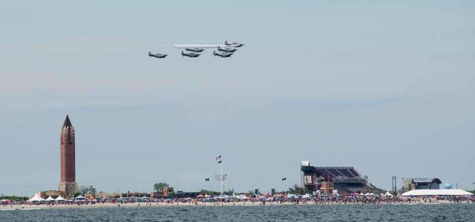 Jones Beach air show -Ocean view