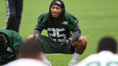 New York Jets strong safety Calvin Pryor stretches