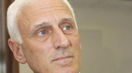 Former prosecutor Bill Ferris will run a Republican