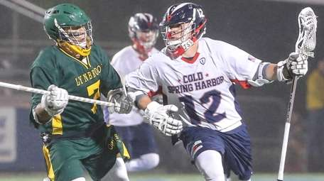 Taylor Strough of Cold Spring Harbor goes around