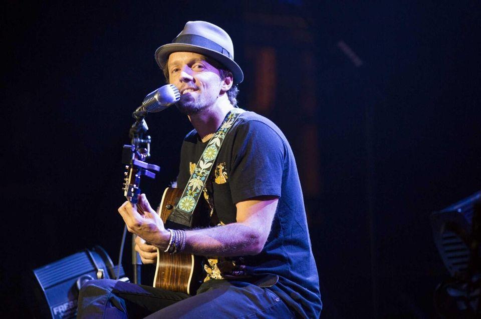 Singer Jason Mraz was born on June 23,