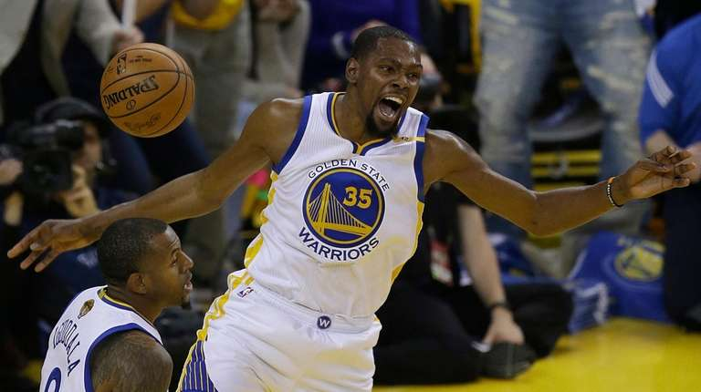 Golden State Warriors forward Kevin Durant (35) reacts
