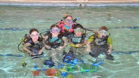 Kidsday reporters from Valley Stream go scuba diving