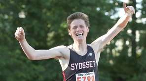 Syosset's Peter Zimbalist takes first in the boys