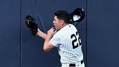 New York Yankees center fielder Jacoby Ellsbury makes