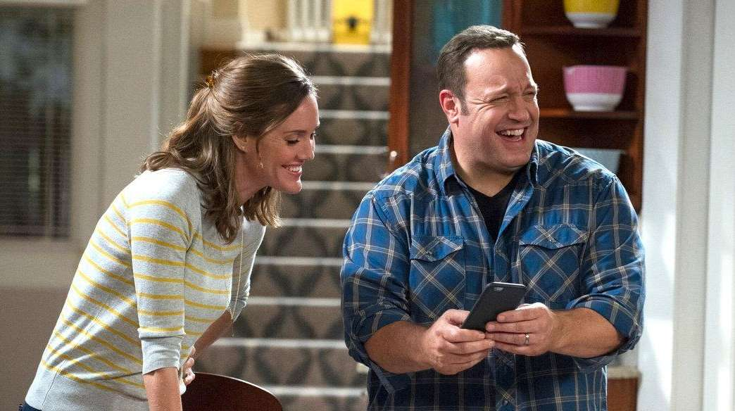 Kevin Can Wait Drops Erinn Hayes Adds Leah Remini To
