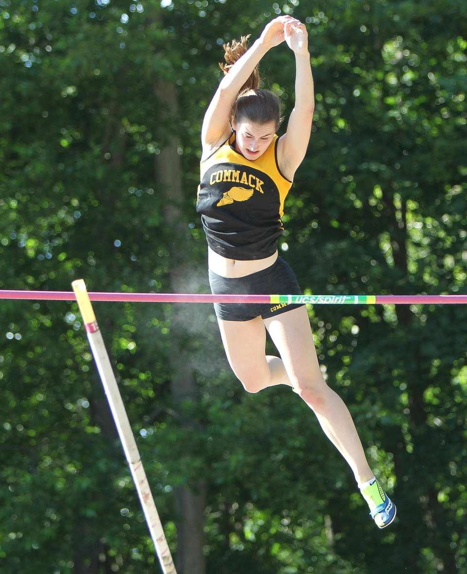 Commack's Amanda McNelis pole vaults during the Suffolk