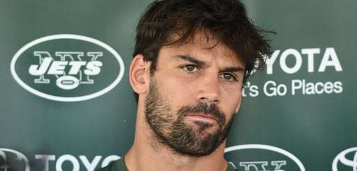 New York Jets wide receiver Eric Decker speaks