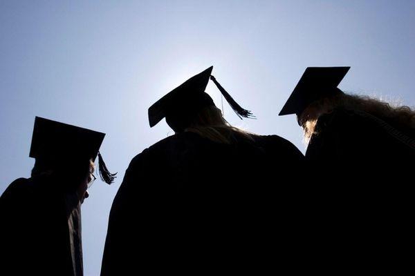 Recent graduates should look to make smart financial