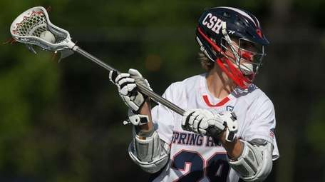 Kevin Winkoff #28 of Cold Spring Harbor carries