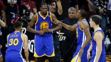 Golden State Warriors forward Kevin Durant (35) celebrates