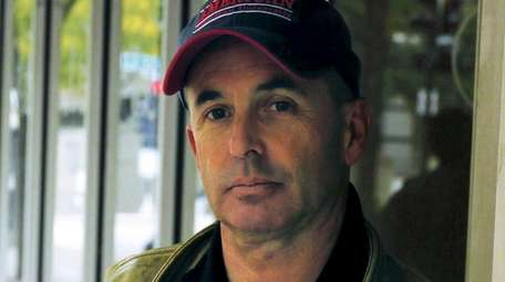 Bestselling author Don Winslow discusses and signs copies