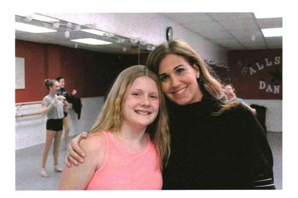 Kidsday reporter Jessica Plagge with dance teacher Jennifer
