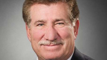 Dr. Lewis Teperman, who heads Northwell Health's organ