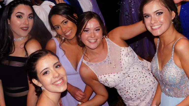Mineola High School held its senior prom on
