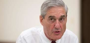 Outgoing FBI director Robert Mueller speaks during an